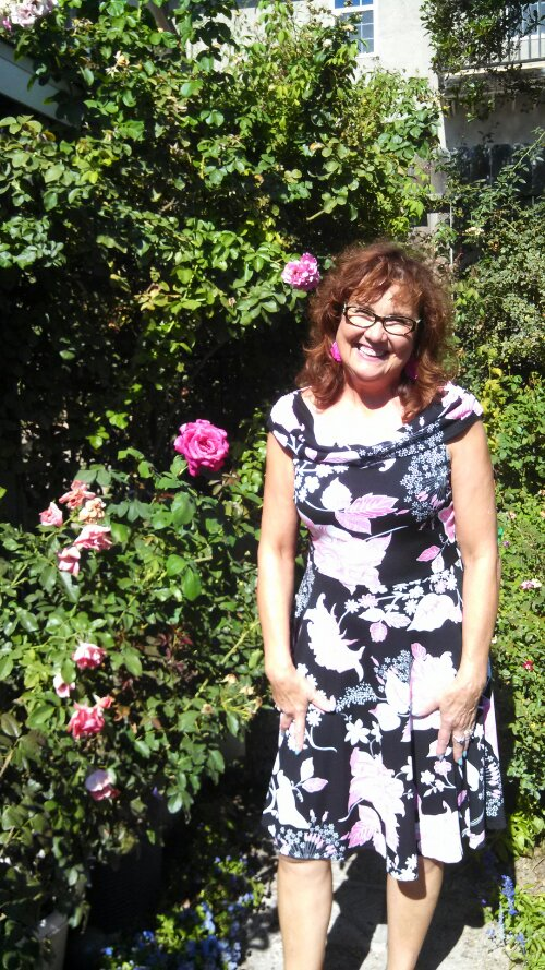 The Care And Handling Of Roses With Thorns Margaret Dilloway border=